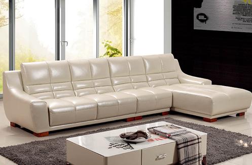 Sofa phòng khách sắc kem hiện đại sang trọng