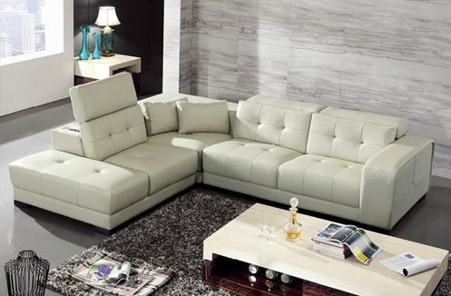 Sofa phòng khách sắc kem kiểu dáng hiện đại