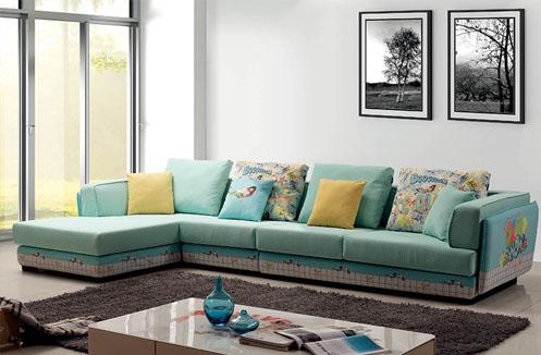 Phòng khách gia đình nên dùng sofa hay ghế gỗ tự nhiên?