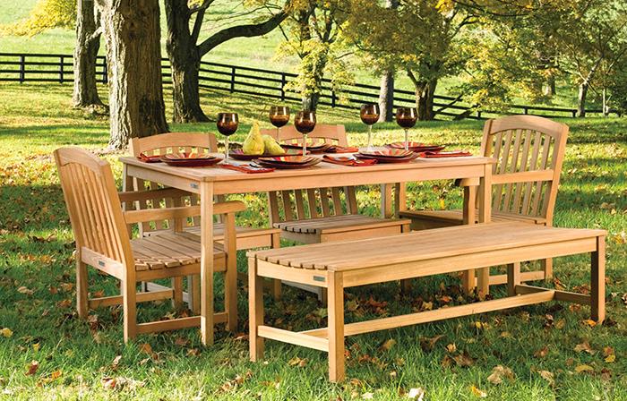Gợi ý 10 mẫu bàn ghế gỗ sân vườn đẹp nhất năm 2021